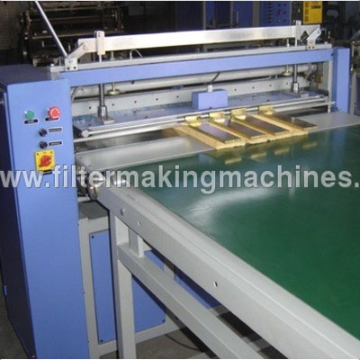 Knife Pleating Machine With Conveyor In Sirmaur